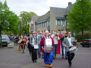 Optocht Queensday
